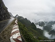 Đến Hà Giang Ngắm Mây Luồn Trên Đỉnh Mã Pì Lèng