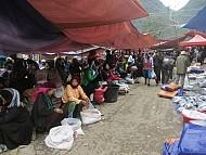 Độc Đáo Chợ Lùi Sà Phìn Trên Vùng Cao Nguyên Đá Hà Giang