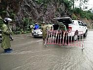 Du lịch Các Tỉnh miền bắc tê liệt vì mưa lũ