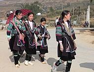 Những trang phục của phụ nữ Mông trên cao nguyên