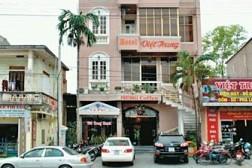Khách Sạn Việt Trung