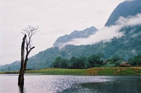 Vẻ Đẹp Hồ Noong Thơ Mộng,Ve Dep Ho Noong Tho Mong